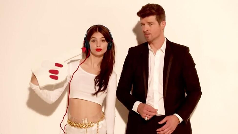 blurred-lines-robin-thicke.jpg
