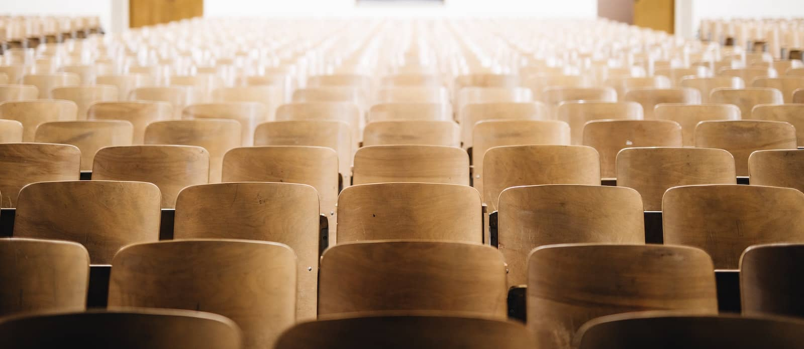 Empty Lecture Hall - Should I take a gap year because of COVID-19?